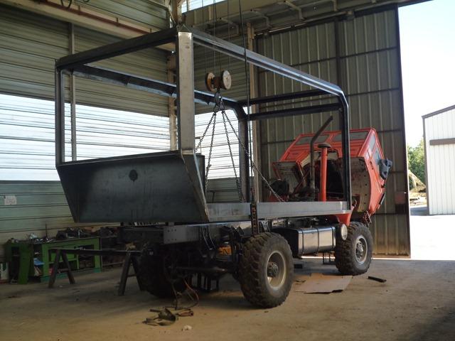 camion 4 4 construction cellule camping car carnet de route de martine et g rard page 4. Black Bedroom Furniture Sets. Home Design Ideas