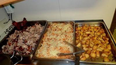 repas diététique : betterave, soupe, porc, pates, pommes de terre .....