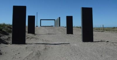 Memorial aux Iles Malouines sur la falaise El Condor