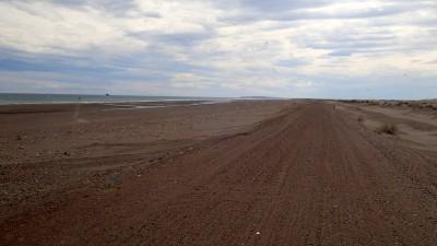 la piste entre mer et dunes