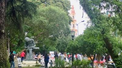 artistes, orchestres...tout autour de la plaza