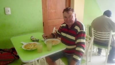 soupe, poulet milanaise avec riz et frites...