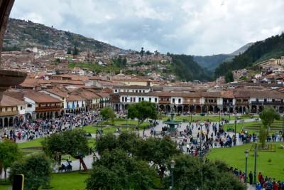 plaza de Armas pris de l'église de la compagnie de Jésus