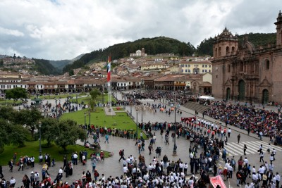 Côté cathédrale de la plaza