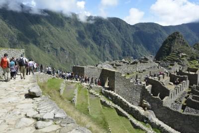 Beaucoup de monde mais un quota de 2500 visiteurs/ jour afin de préserver le site