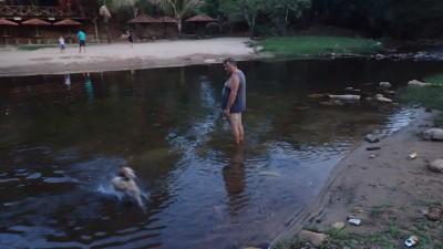 Djinn a droit aussi à la baignade
