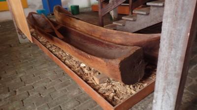 tronc de bois ou pirogue