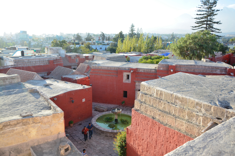 vu des toits du monastère
