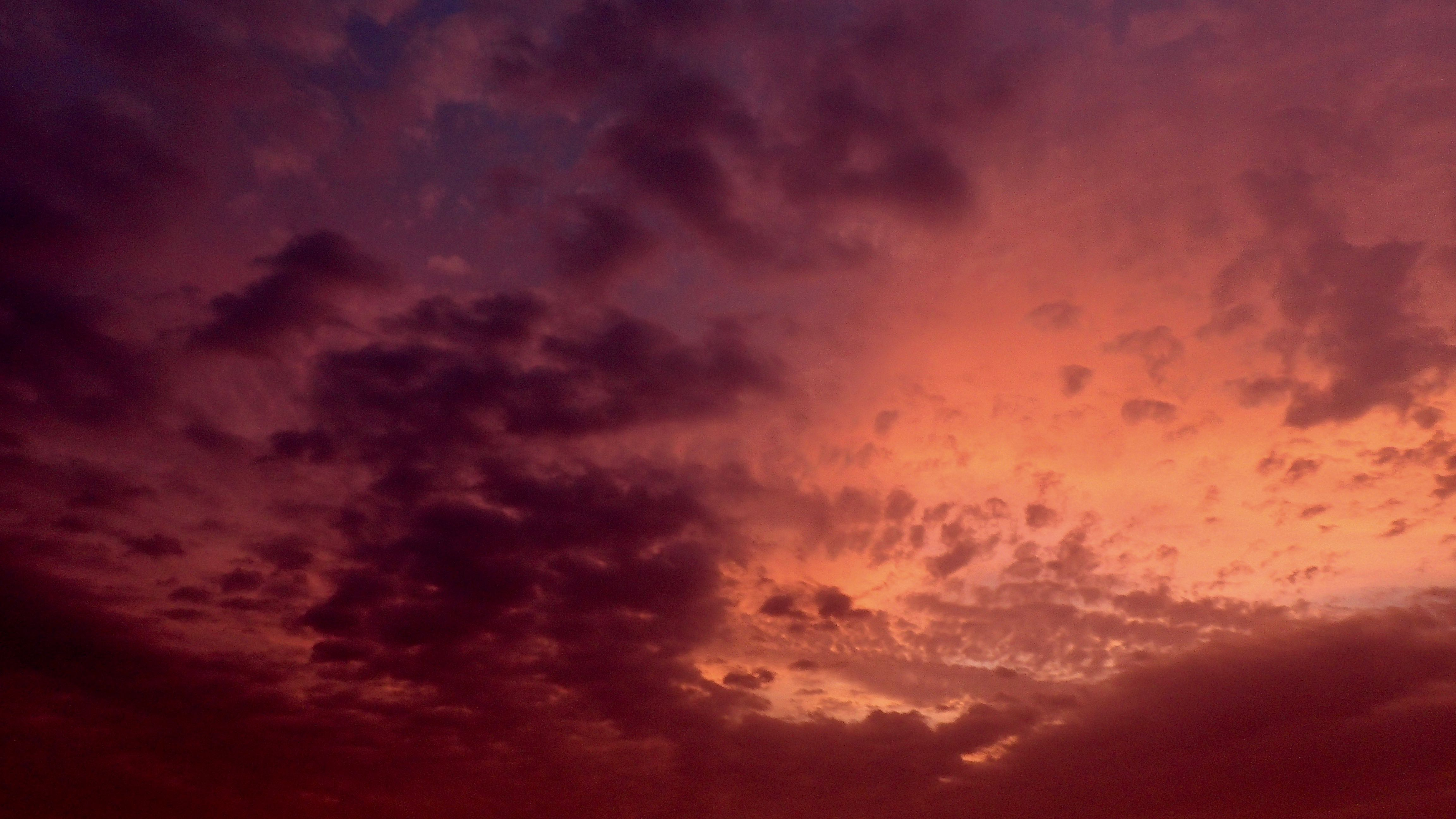 pas vraiment un coucher de soleil mais un ciel magnifique