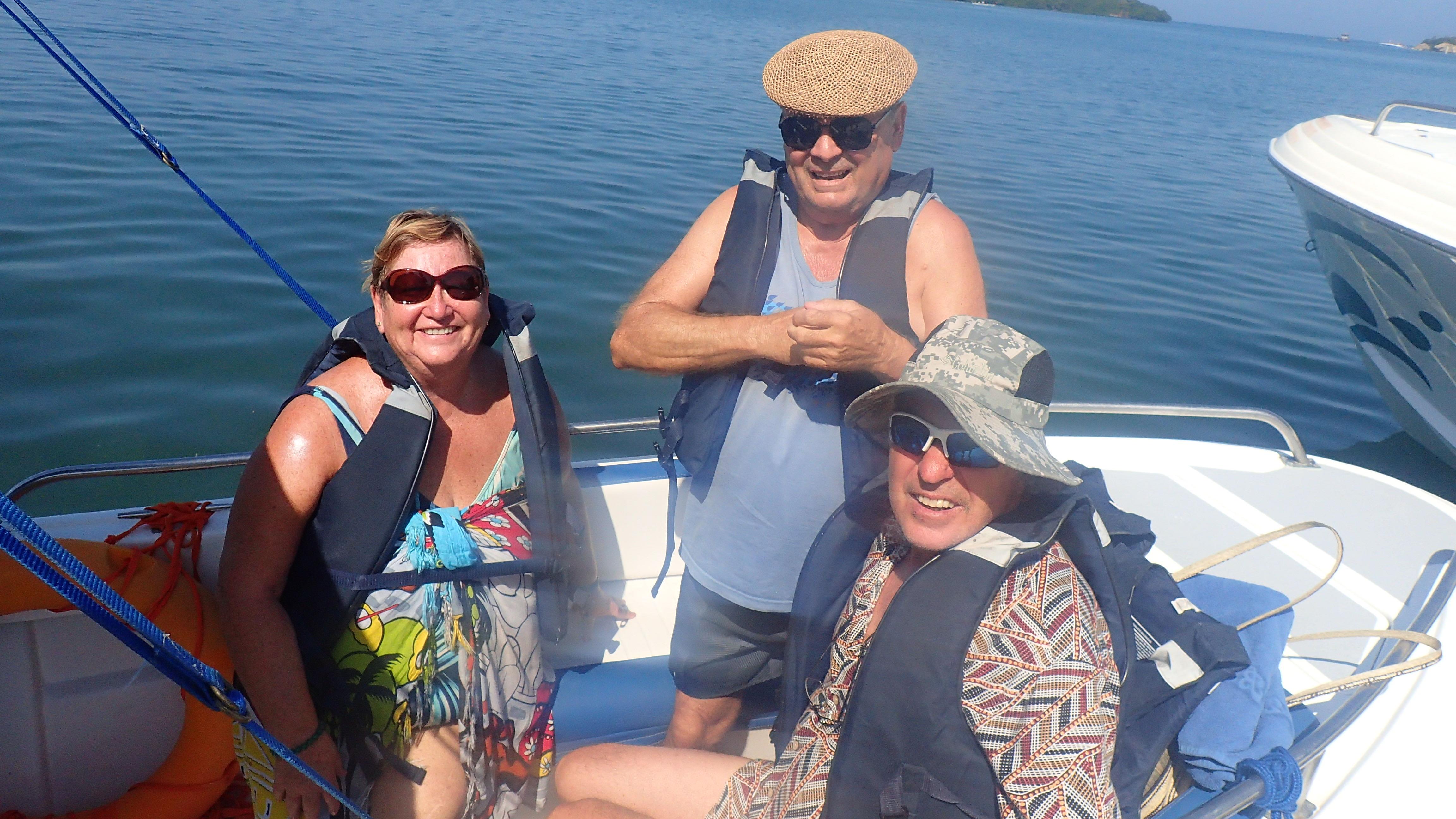 balade autour des îles en bateau